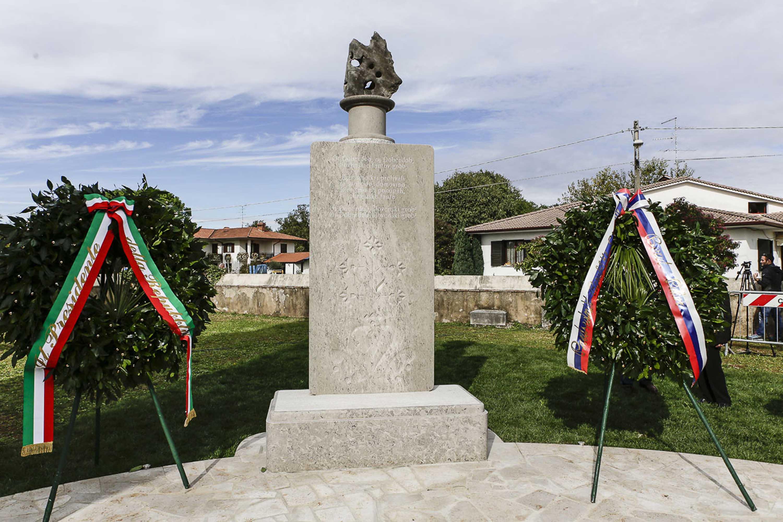 Immagine per La storica visita di Mattarella e Pahor a Doberdò del Lago raccontata in un DVD
