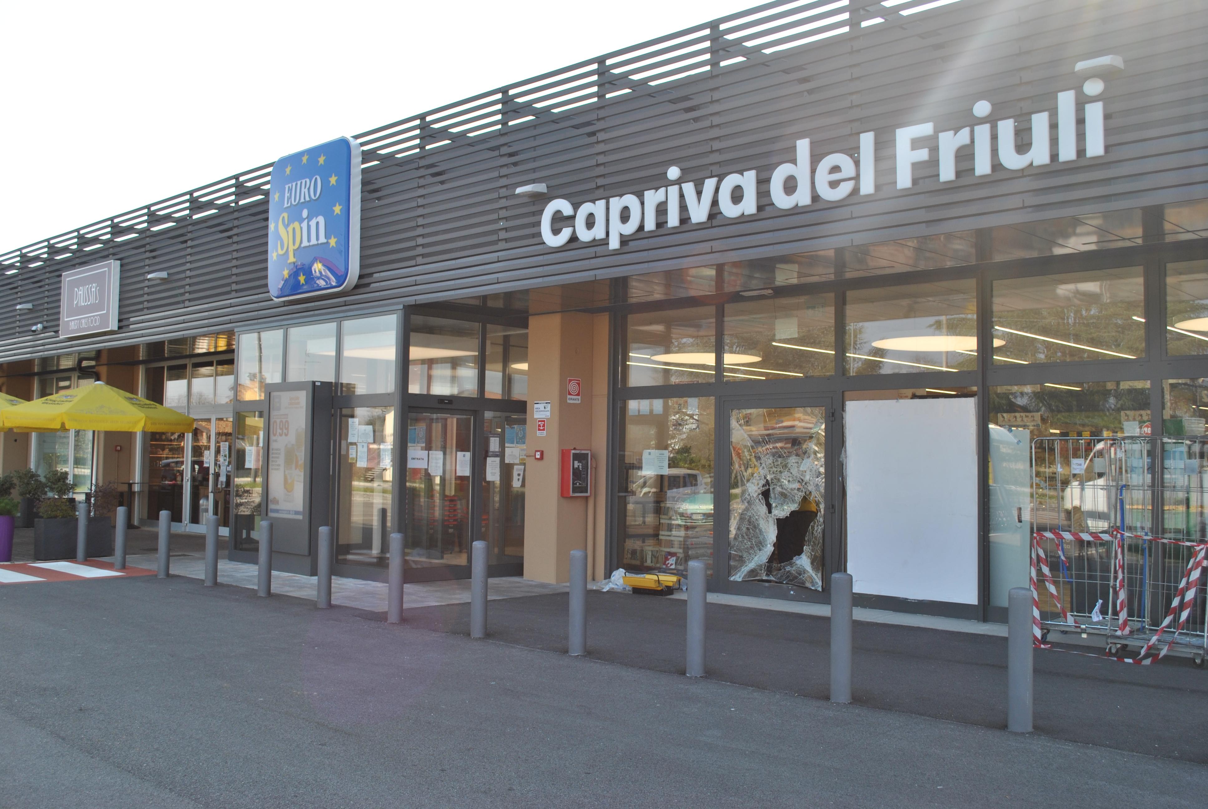 Immagine per Rapinò l'Eurospin di Capriva, arrestato un 25enne dopo un folle inseguimento a Sagrado