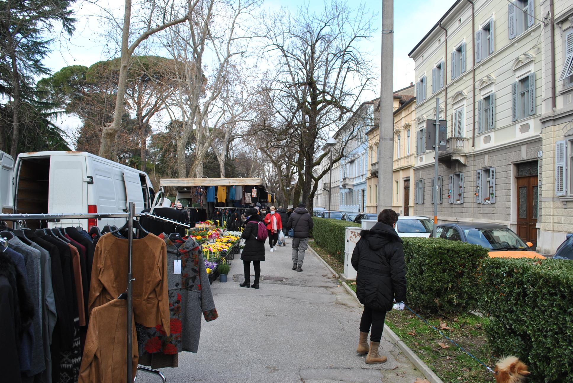 Immagine per Turisti dimezzati e rischio licenziamenti, trema il commercio in provincia di Gorizia
