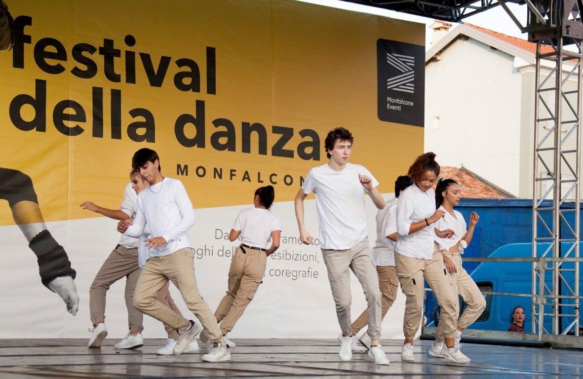 Copertina per Boom di eventi a Monfalcone in quattro anni, Cisint tira le somme