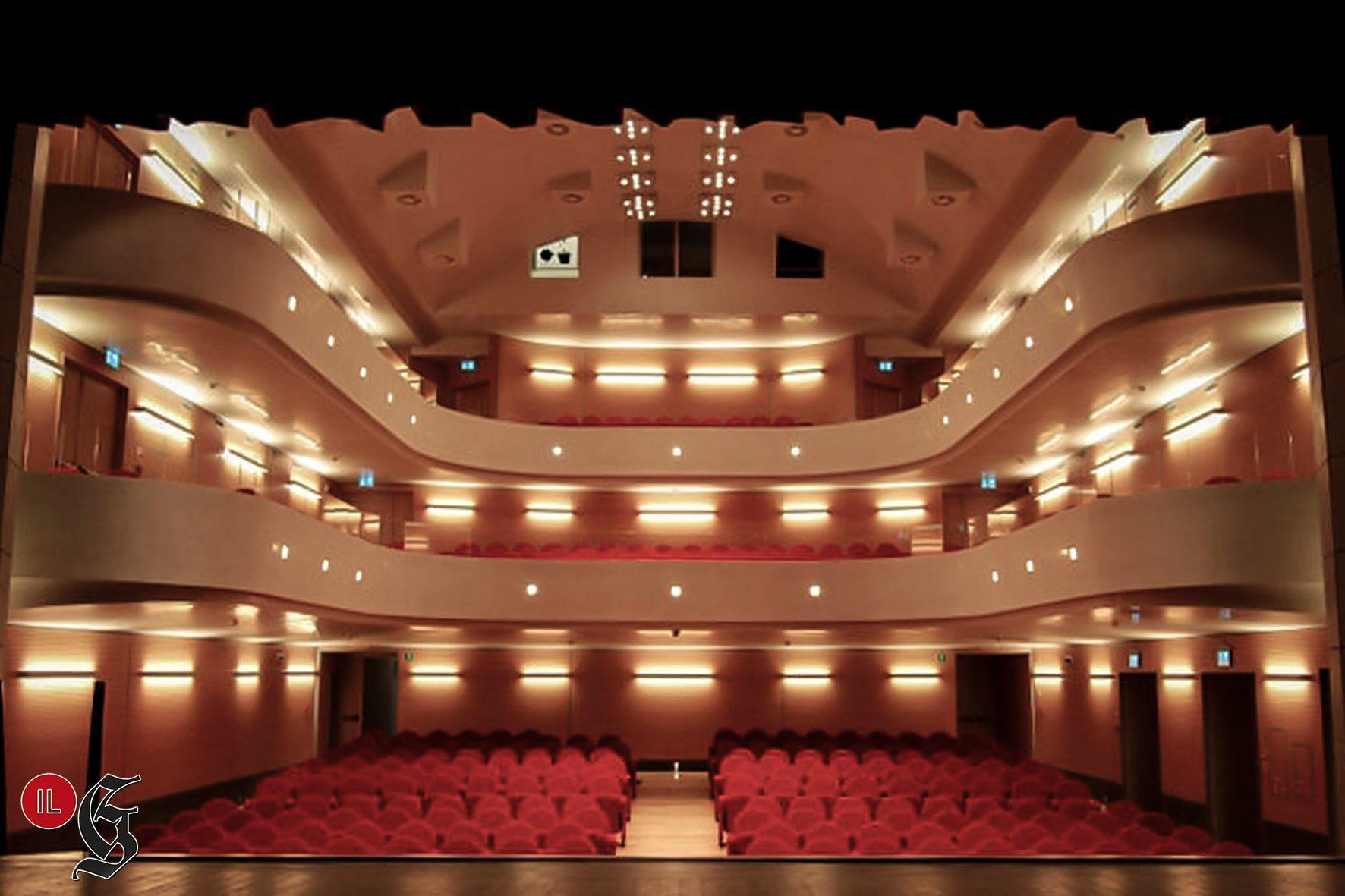 Immagine per Teatri illuminati per protesta, l'appello per la ripartenza passa per Gradisca e Cormons