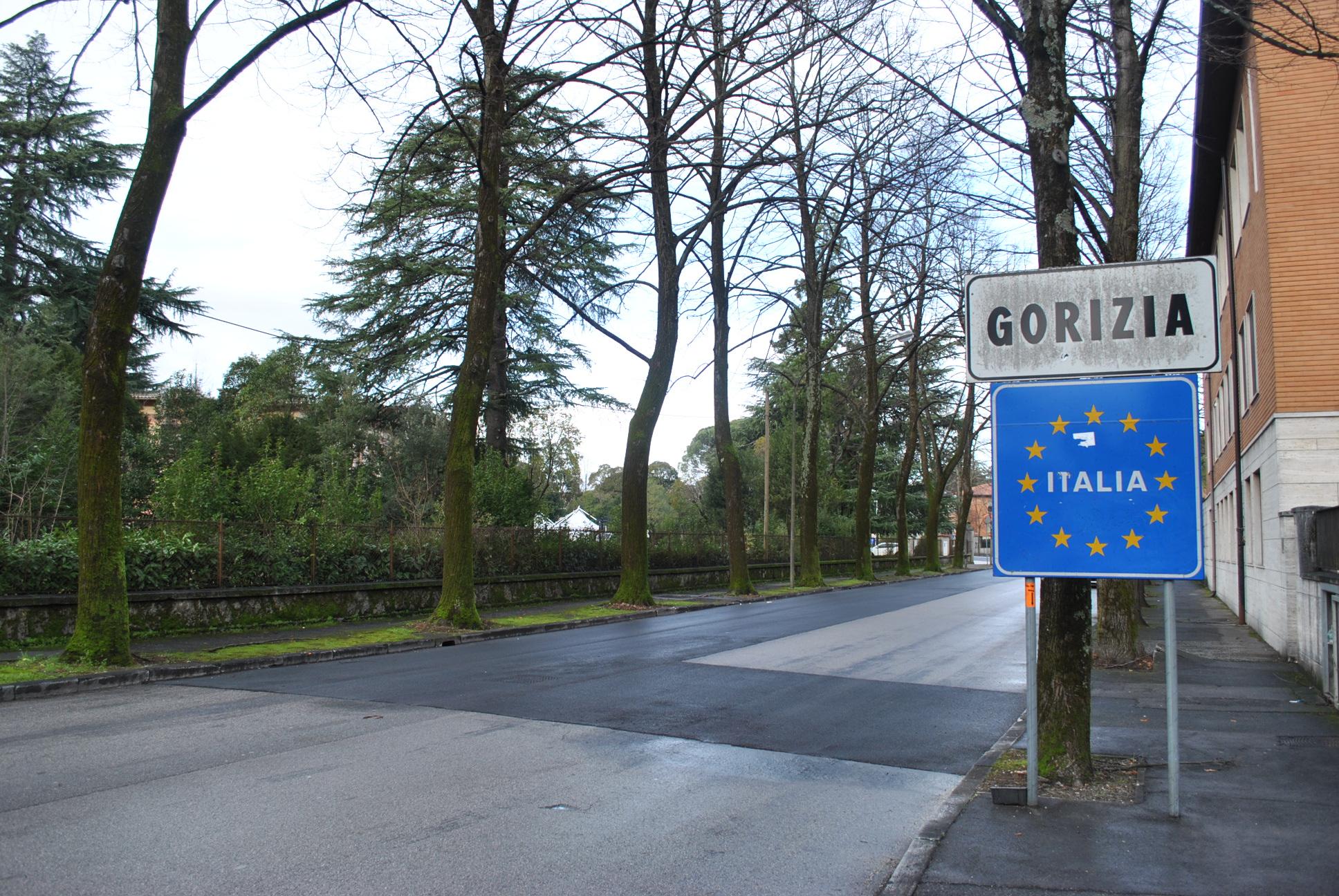 Immagine per Fugge all'alt in Slovenia, fermato un 39enne a Gorizia con quattro migranti