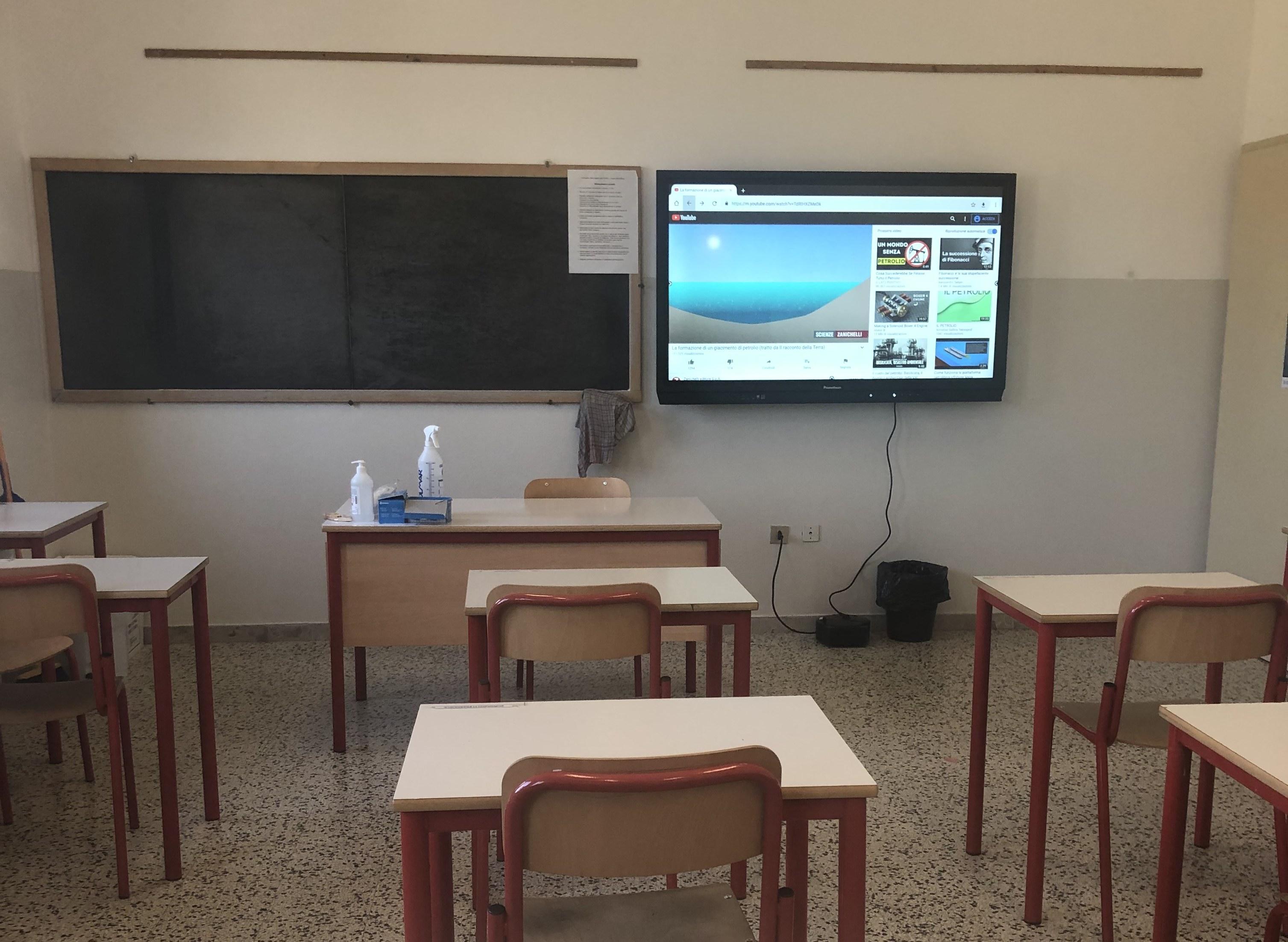 Immagine per Didattica a distanza più inclusiva alle scuole medie di Mariano con le nuove lavagne intelligenti