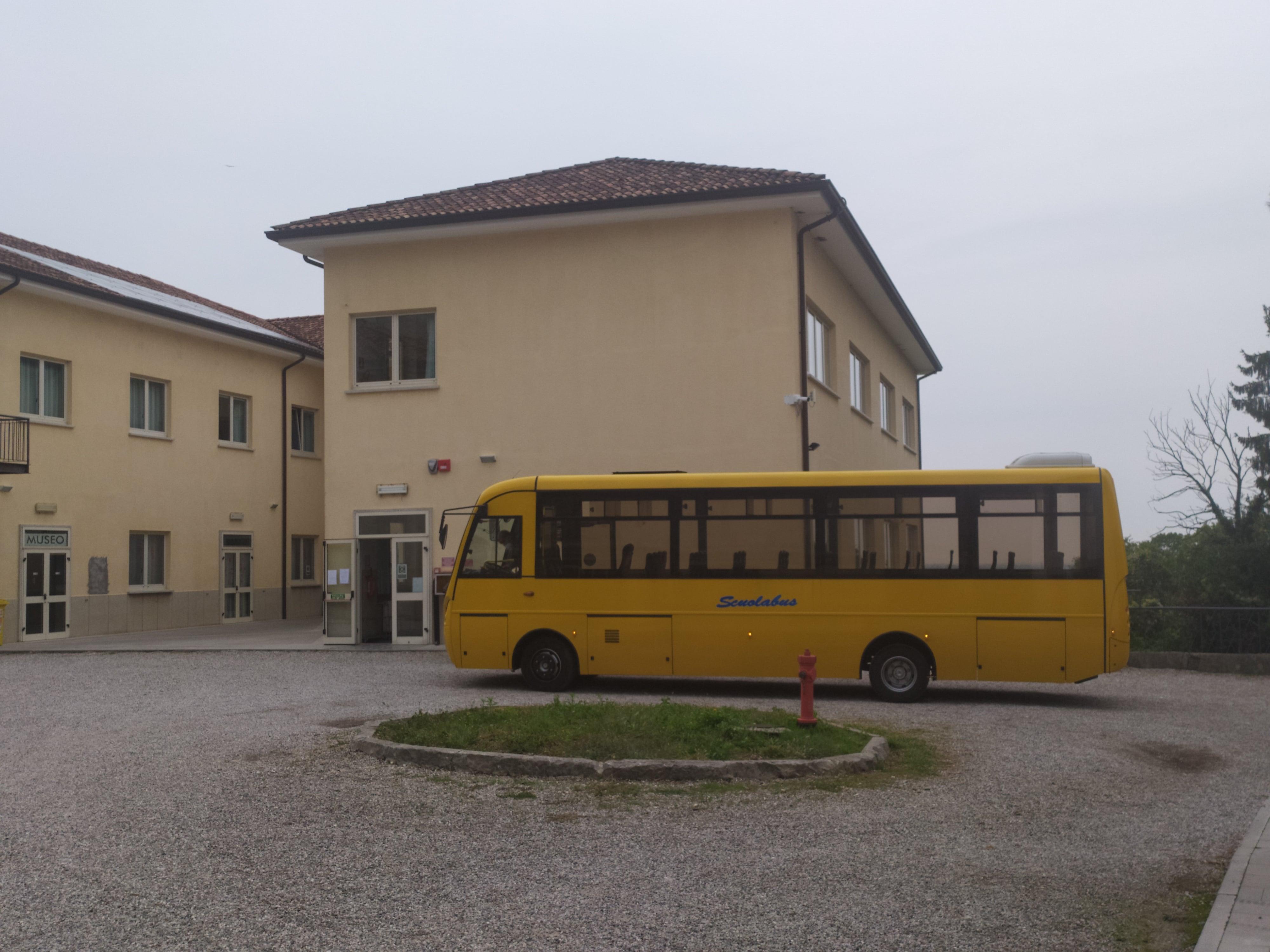 Immagine per Due nuovi scuolabus a Capriva e Moraro per il trasporto di oltre 70 ragazzi sul territorio