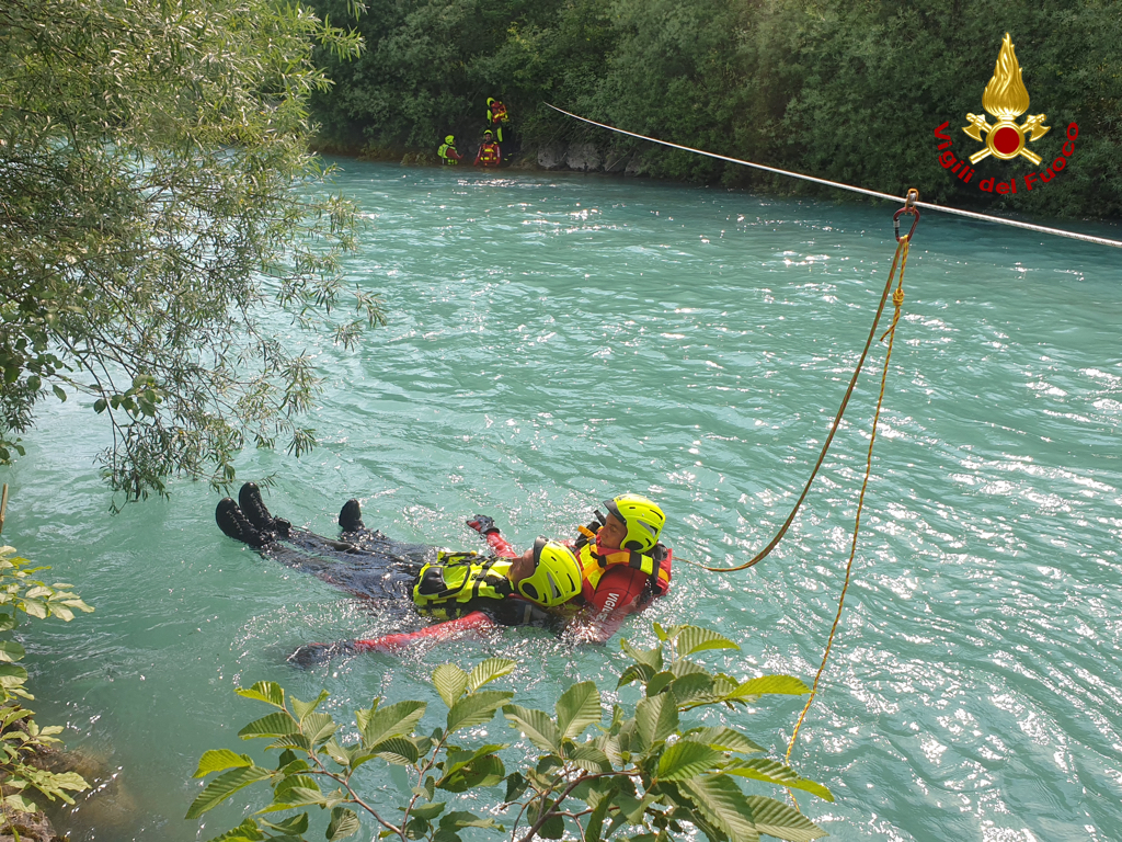 Immagine per Pronti a salvare vite anche nell'Isonzo, vigili del fuoco in azione a Sagrado