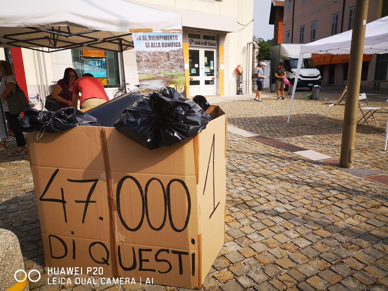 Immagine per Cormons, opposizione in piazza per Pecol dei Lupi: «Basta rifiuti in discarica»