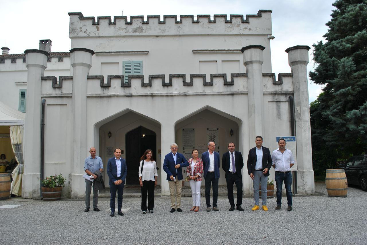 Immagine per Fondazione Villa Russiz fuori dai guai dopo anni turbolenti, rilancio su vino e sociale
