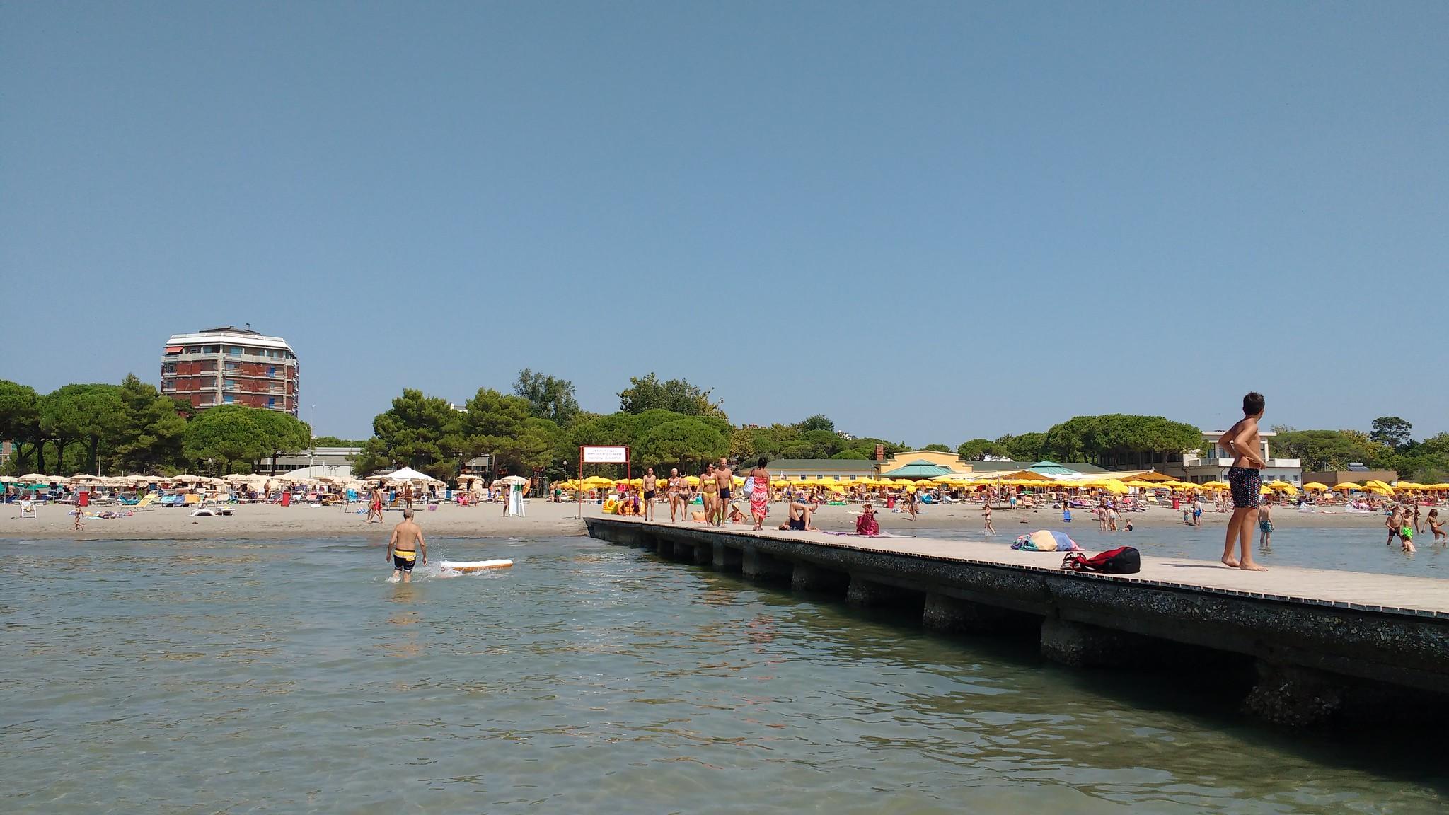 Immagine per Grado confermata tra le migliori spiagge d'Italia, da 33 anni è Bandiera Blu