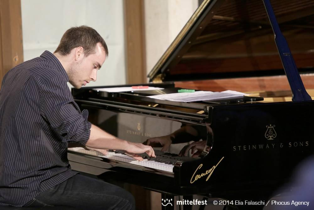 Immagine per L'asso del pianoforte di Gorizia Scaramella porta al Bratuž il genio musicale del Trio