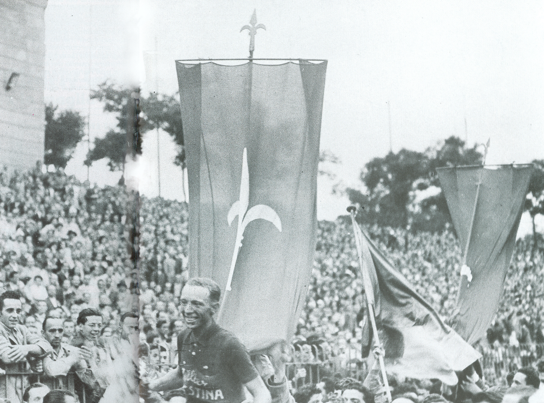 Immagine per La guerra era finita ma non la violenza, quando Pieris fermò il Giro con sassi e pietre