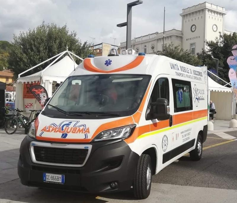 Immagine per Festa esagerata a Gorizia, cade dagli spalti dopo il gol: ferito un tifoso