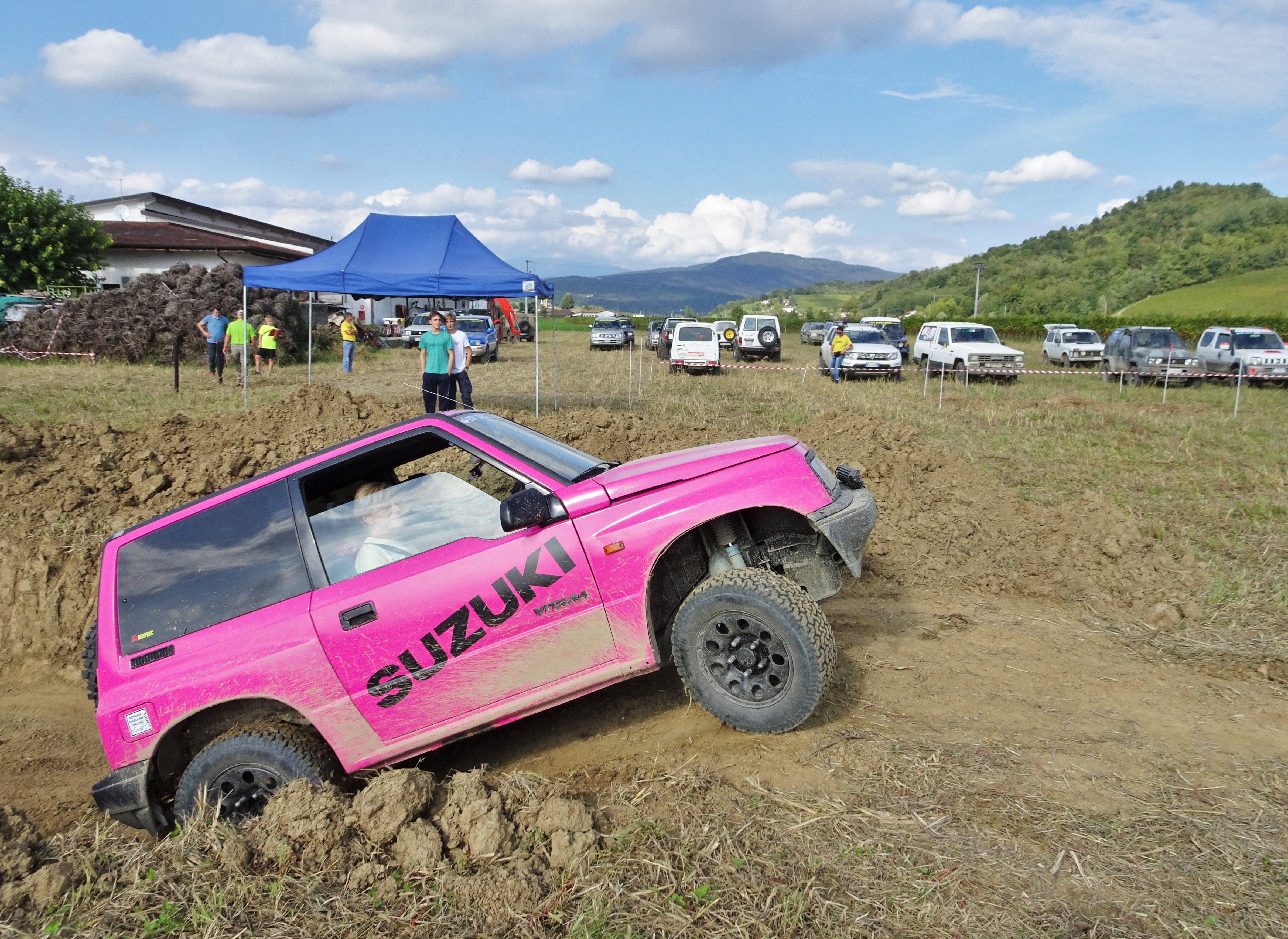 Copertina per Fuoristrada 4x4 sempre più rosa, podio tutto al femminile a Dolegna